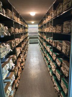 Perspectiva de los armarios donde se conservan los pliegos en este caso la colección del Frère Sennen (1861-1937) que se conservan en el herbario de Montpellier (Francia).