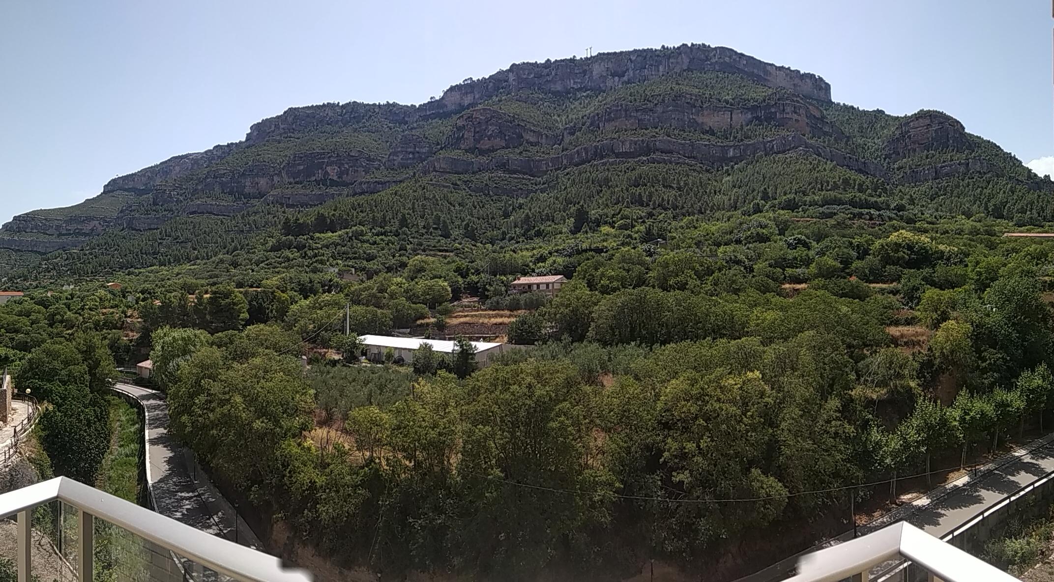 Vistas desde la Biblioteca de Cortes de Pallás
