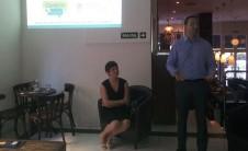 Foto de Carolina Salinas y David Seguí en el segundo encuentro de Conta'ns La Teua