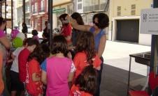 Foto del puesto del COBDCV en Trobades d'Escoles en Valencià (La Safor, 2010)